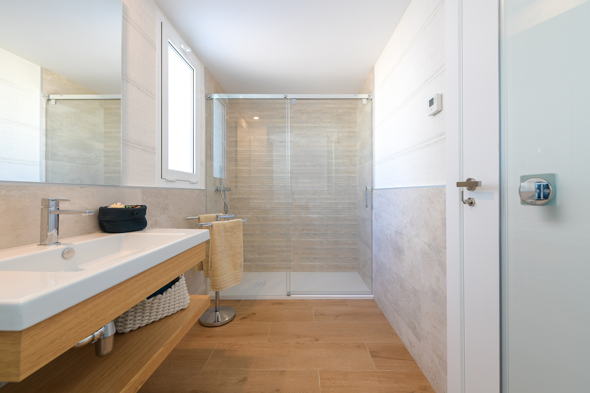 Baño integrado en el dormitorio con grandes calidades
