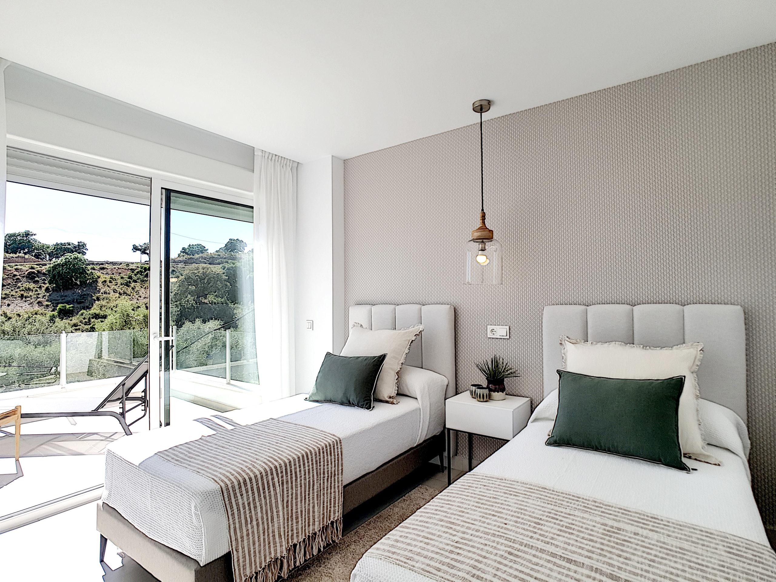 Pequeños detalles que simplifican la vida, dormitorio con armarios grandes y funcionales