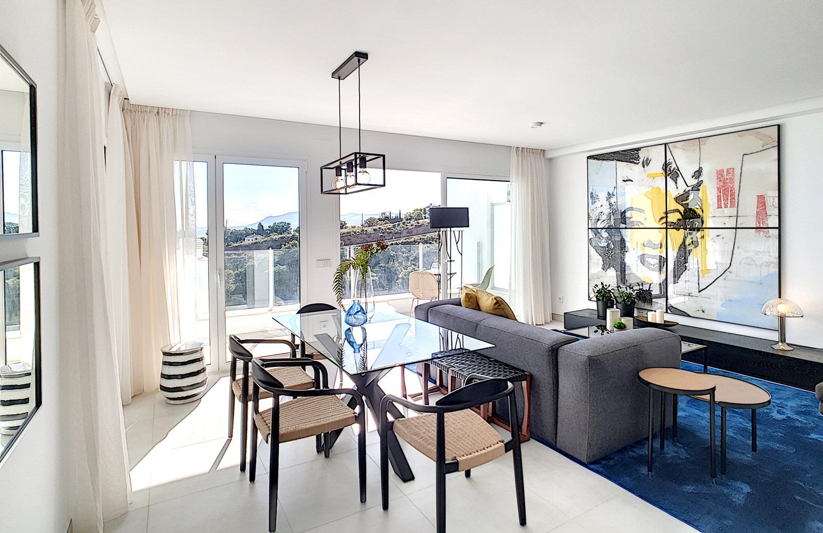 Amplias terrazas con todos los detalles que la convierten en una estancia más en al que disfrutar con familia y amigos